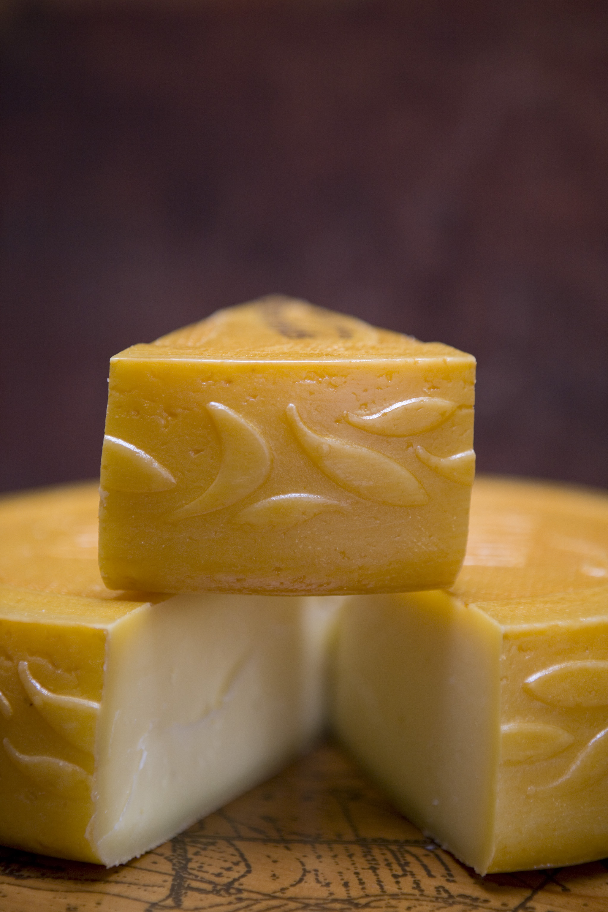 The beautiful design that all Saxon Classic cheeses boast.